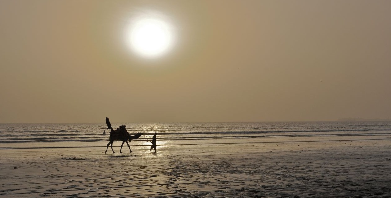 Clifton Beach, Karachi, Pakistan.  Photographer: Marko Kucher